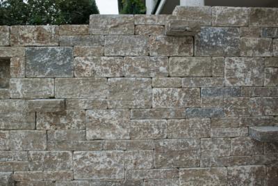 Muschelkalk Systemmauerwerk Stufen Quader